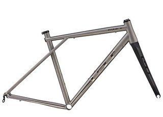 gt-edge-titanium-bike-0-1447712101.